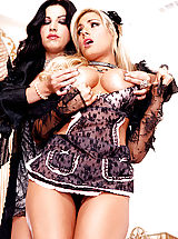 Lesbians Pics: Roxy Deville lets Teagan Presley know who is in charge!