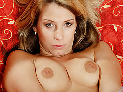 Latina Vids: Anilos janine flaunts her spectacular body in lingerie