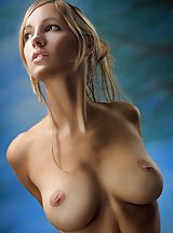 Women with big Areola, Corinna - Corinna