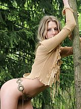 Outdoors Pics: Enjoy the natural beauty of Bella in a natural setting.