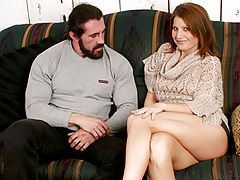 Milf Vids: Enticing anilos hottie rae rodgers prepares to open her legs for a burly hunk