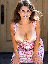 Milf Nippels, Elegant mature woman flaunts her curvy bod outdoors in a sundress
