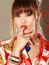 Asian Nippels, Marica Hase