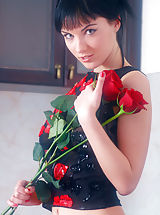 naked girls, Roses make Polina's pussy throb with need and anticipation