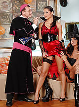 Lucy Belle, Simony Diamond