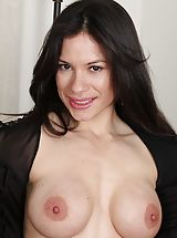 Erect Nipples, Immense Boobed Latin MOMMY Isabella Rodriquez spreading her muschi.
