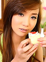 The Black Alley Nippels, Asian Women lolita cheng 11 braces food play
