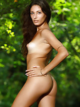 Tan.Lines Nippels, Hailey | Soothing Water