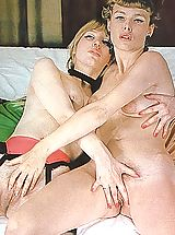 Retro Pics, Two gorgeous lesbians know how to have fun