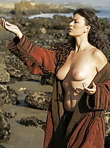 Vintage Pics: WoW nude betcee shipwrecked