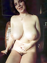 Retro Pics, Old Fashioned Nude Ladies