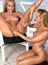 Naked Lesbians, sophie sandy 02 jamaica pussy spread