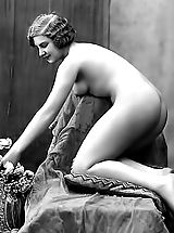 Naked Vintage, Blast from the Past Frauen