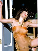 Suze Randall Nippels, What a stunner Teri was, is and will be for a long, long time.