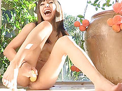 Asian Vids: Risi uses veggies on her cooch