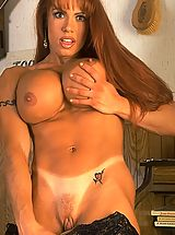 Teen Nipples, April Hunter in Muscle Lady Shaving Pussy