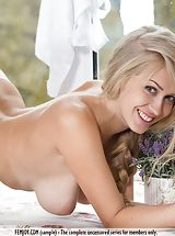 naked wives, Kaylee A.