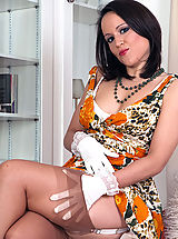 Get Lucy in her deep garter belt, kinky whirlpool cup bra and brown fully fashioned nylons!