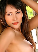 Hard Nipples, Asian Women kaila wang 01 high heels erect nipples
